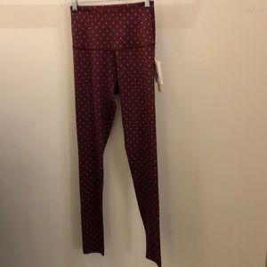 Beyond Yoga berry with white dots legging,sz S NWT